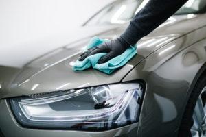 تنظيف السيارة بالبخار