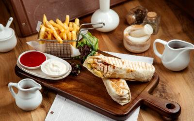 منيو الغداء بمطعم بيت الشاورما وتفاصيل عن قولدن بريوش الجديد